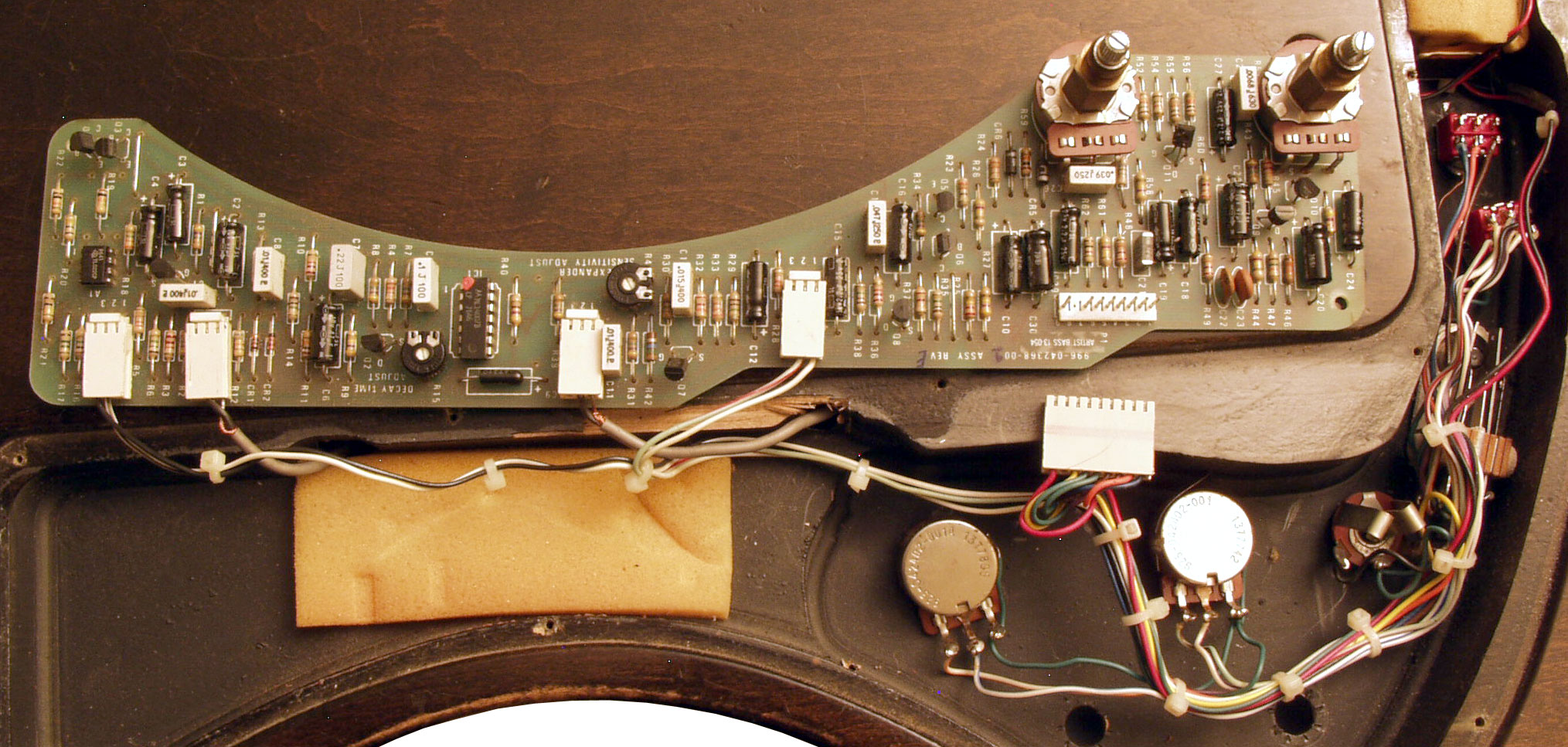The Gibson Rd Artist Technical Specifications Flyguitars 1981 Les Paul Wiring Harness Moog Circuit Board